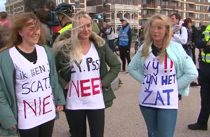 500 tot 600 demonstranten bij vrouwenprotest Scheveningen