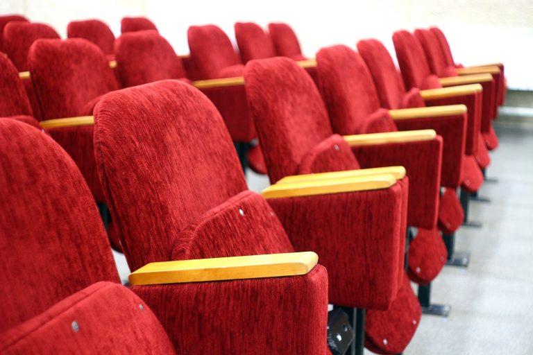 Alle theaters en bioscopen terug naar dertig man publiek